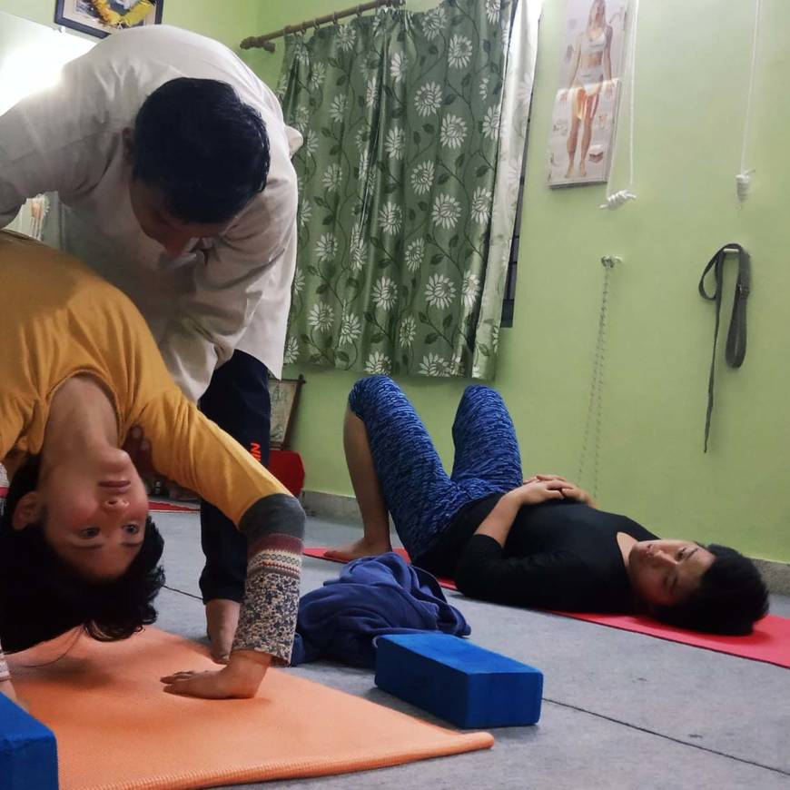 7 key points to avoid yoga injuries (safe and effective yoga teaching)